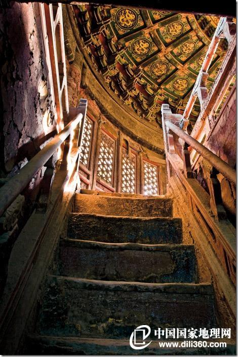 Древний  храм Императора Цзяцзинь