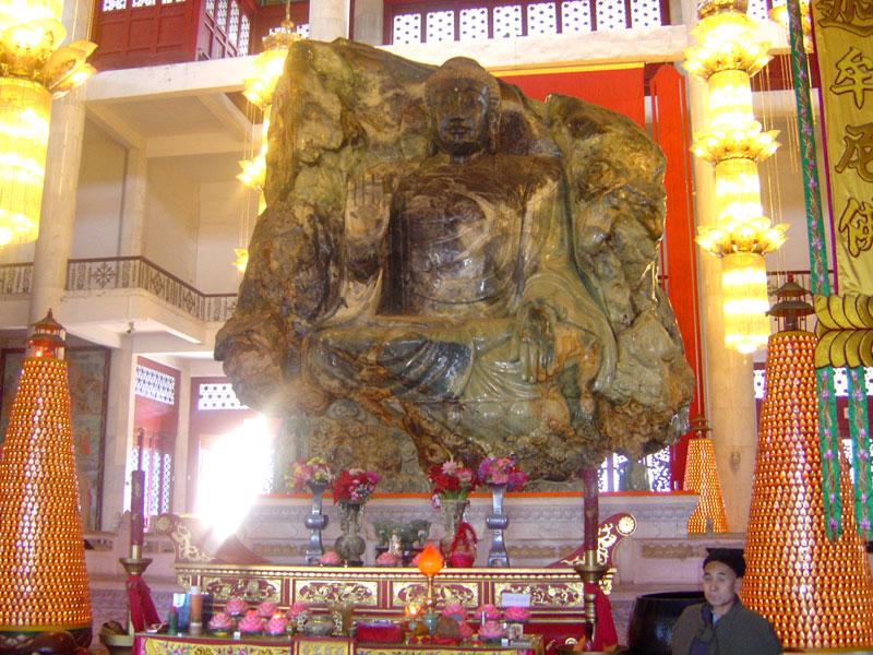 Статуя Будды Аньшань из нефрита. Фото: wikimedia.org