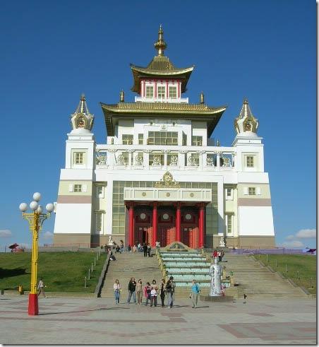 Золотой храм в Элиста. Фото: wikipedia.org