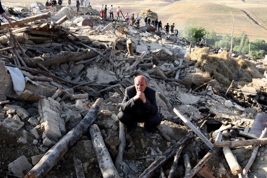 Иран, деревня после землетрясения.  Фото: Atta Kenare/AFP/GettyImages