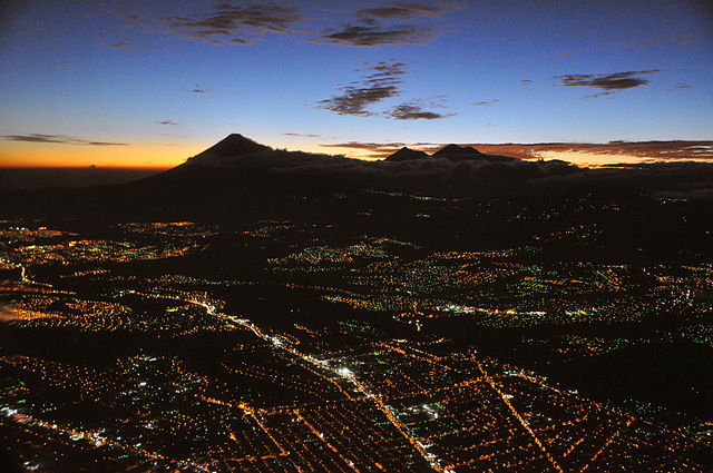 Guatemala_city_aerial_night